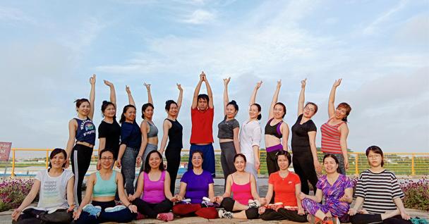 yoga_quoc_te.jpg